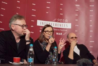 Susitikimas su aktoriais (iš kairės: Darius Meškauskas, Regina Šaltenytė, Igoris Reklaitis). Festivalio archyvo nuotrauka