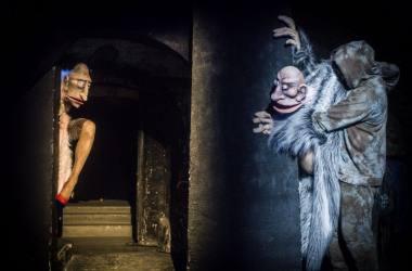 """Scena iš spektaklio """"Karalius Ubu"""". Dmitrijaus Matvejevo nuotrauka"""