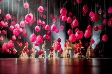 Akimirka iš tarptautinio teatrų festivalio COM·MEDIA apdovanojimų ceremonijos. Nuotraukos autorystė - Miško Motė.