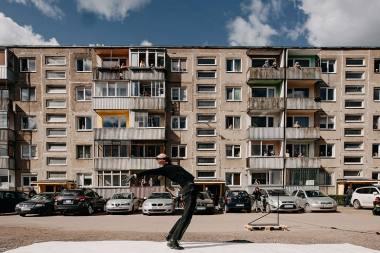 """Projekto """"Kultūra į kiemus"""" akimirka. Martyno Plepio nuotrauka iš """"Kaunas 2022"""" archyvo"""