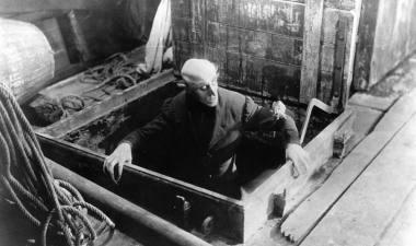 """Scena iš 1922 metų Friedricho Wilhelmo Murnau juostos """"Nosferatu. Siaubo simfonija"""""""