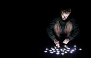 Šokio menininkas Andrius Katinas. Timo Wrighto nuotrauka