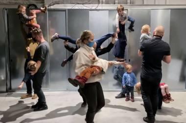 """Julijono Urbono performatyvi paskaita """"Repetuojant planetą iš žmonių"""". Nuotrauka iš asmeninio archyvo"""