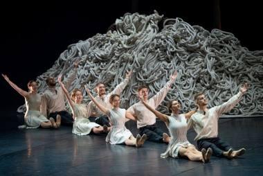 """Scena iš baleto """"Eglė žalčių karalienė"""" (choreogr. Martynas Rimeikis). Martyno Aleksos nuotrauka"""