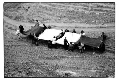 """Grupės """"Post Ars"""" akcija """"Zatyšiai"""" (1990). Gintaro Zinkevičiaus nuotrauka"""