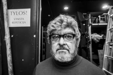 """Akimirka iš spektaklio """"Dėdė Vania"""" (rež. Tomi Janežičius) repeticijos. Dmitrijaus Matvejevo nuotrauka"""
