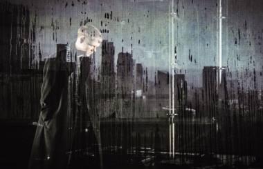 """Akimirka iš muzikos veiksmo performanso """"Vilniaus pokeris. Laiko upė"""", kompozitorius Matas Drukteinis. Tomo Tereko nuotrauka"""
