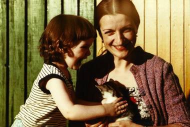 Sigutė Stonytė su dukra Laūra Karnavičiūte, 1989 m. Asmeninio archyvo nuotrauka