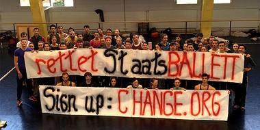 Berlyno valstybinio baleto trupė protestuoja. Nuotrauka iš change.org