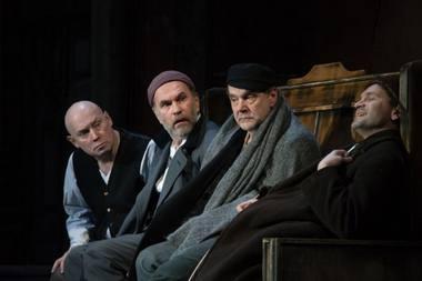 """Scena iš spektaklio """"Nusišypsok mums, Viešpatie"""" Maskvos Jevgenijaus Vachtangovo teatre. Rengėjų archyvo nuotrauka"""