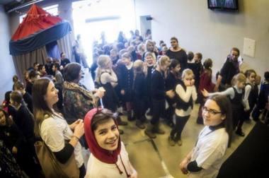 Jaunieji žiūrovai, jaunieji kritikai ir mokytojai festivalyje KITOKS. Dmitrijaus Matvejevo nuotrauka