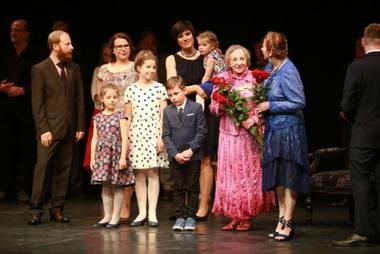 Regina Varnaitė švenčia savo jubiliejų. Aliaus Koroliovo (15min.lt) nuotrauka