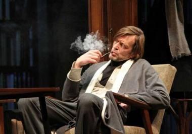 """Dainius Svobonas - Kiurmanas spektaklyje """"Biografija: vaidinimas"""". Donato Stankevičiaus nuotrauka"""