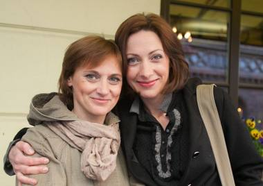 Aktorės Vitalija Mockevičiūtė ir Neringa Varnelytė. Asmeninio archyvo nuotrauka