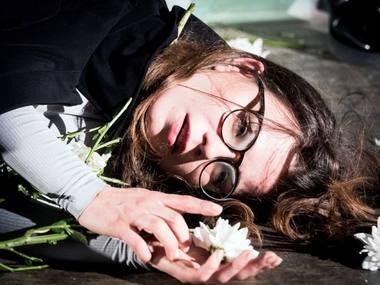 """Spektaklio """"Pasikėsinimai į jos gyvenimą"""" repeticija. Tomo Ivanausko nuotrauka"""