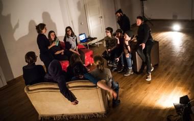 """Marija Baranauskaitė: """"Žmonių šiame projekte tikrai reikia, nes sofos be jų net iš vietos negali pajudėti."""" Šelterio archyvo nuotrauka"""