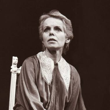 """Nijolė Gelžinytė spektaklyje """"Haroldas ir Modė"""". Valstybinio jaunimo teatro nuotrauka"""
