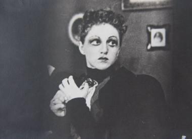 """Monika Mironaitė - Nora H. Ibseno dramoje """"Lėlių namai"""", Vilniaus miesto teatre 1942 m., režisierius Romualdas Juknevičius"""