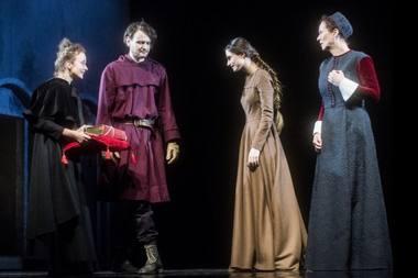 """Scena iš spektaklio """"Apreiškimas Marijai"""". Dmitrijaus Matvejevo nuotrauka"""