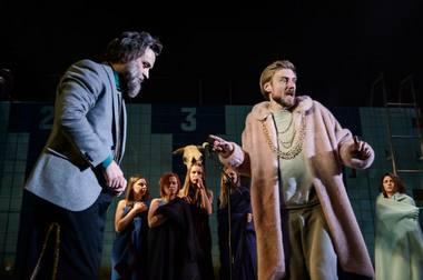 Merginų tėvas Danajas (Tadas Gryn) ir Argo valdovas Pelasgas (Daumantas Ciunis). Lauros Vansevičienės nuotrauka