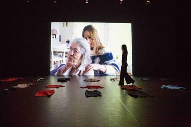 """Anne Katrine Haugen ir Liv Hanne Haugen, įkūrusios """"Haugen Productions"""",  spektaklyje """"Seserys po 11 metų"""" senatvės temų nedramatizavo. Rengėjų archyvo nuotrauka"""