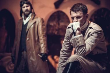 """Rolandas Kazlas - Gabrielė d'Anuncijus spektakyje """"Kas prieš mus"""". Algirdo Kubaičio nuotrauka"""