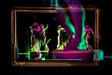 """Scena iš spektaklio """"Doriano Grėjaus protretas"""". Lauros Vansevičienės nuotrauka"""