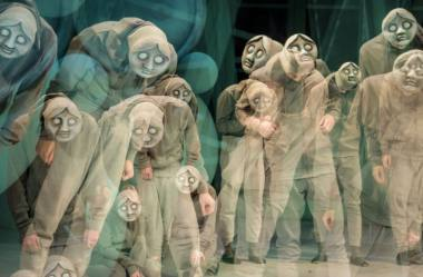 """Scena iš spektaklio """"Kalniukas"""", režisierė Lera Surkova. Dmitrijaus Matvejevo nuotrauka"""