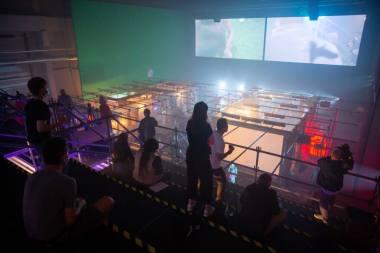 """Scena iš spektaklio """"Respublika"""", režisierius Łukaszas Twarkowskis. Žygimanto Gedvilos nuotrauka iš 15min.lt"""
