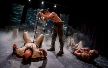 """Scena iš spektaklio """"Miražas"""", režisierius Paulius Markevičius. Dainiaus Putino nuotrauka"""