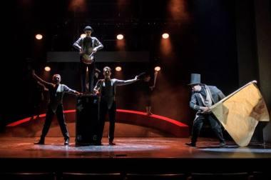 """Scena iš spektaklio """"Don Kichotas"""", režisierius Adomas Juška (Valstybinis jaunimo teatras, 2021). Lauros Vansevičienės nuotrauka"""