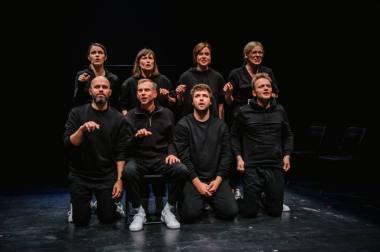"""Scena iš spektaklio """"Karantino dienoraščiai"""", režisierius Aidas Giniotis (""""Atviras ratas"""", 2021). Dainiaus Putino nuotrauka"""