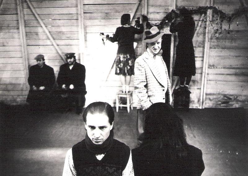 Scena iš spektaklio. Vilniaus mažojo teatro archyvo nuotrauka