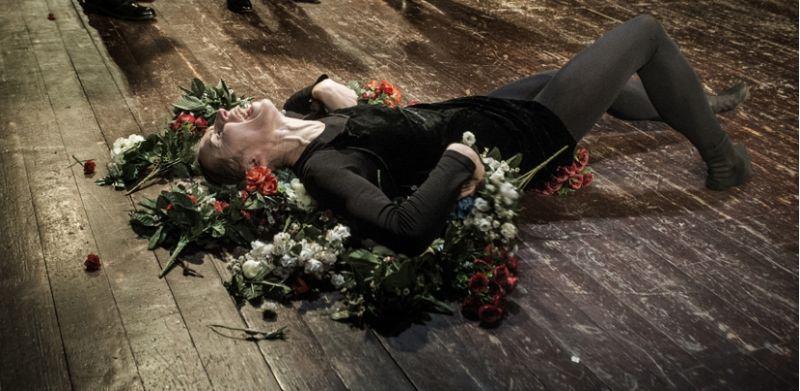 """Viktorija Kuodytė spektaklyje """"Bado meistras"""". Dmitrijaus Matvejevo nuotrauka"""