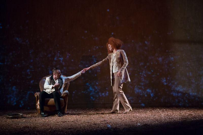 """Spektaklio """"Marija Stiuart"""" scena. Martyno Siruso nuotrauka iš Vilniaus mažojo teatro archyvo"""