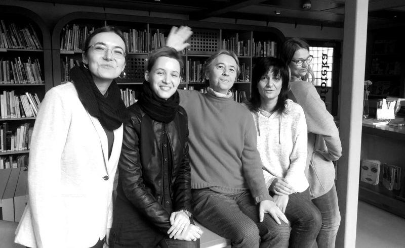 Iš kairės: Anastasija Dichtiar, Ieva Tumanovičiūtė, Jūratė Visockaitė, Karina Metrikytė, Kristina Steiblytė. Nuotrauka iš redakcijos archyvo