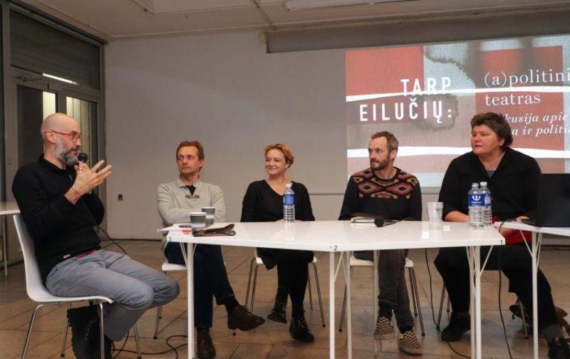 """Diskusijos """"Tarp eilučių: (a)politinis teatras"""" dalyviai: Algis Davidavičius, Vaidas Jauniškis, Goda Dapšytė, Andrius Jevsejevas, Ingrida Ragelskienė. Dainiaus Labučio (ELTA) nuotrauka"""