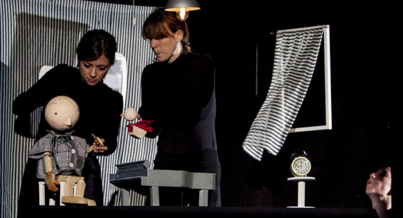 """Vizualaus tarpdisciplininio teatro kūrėjų """"Unterwasser"""" pasirodymas """"OUT."""" Jacopo Niccoli nuotrauka"""