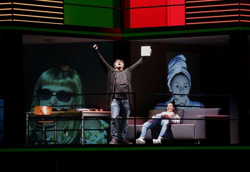 """Dmitrijus Golovninas operoje """"Lošėjas"""" Bazelio teatre. Priskos Ketterer nuotrauka"""