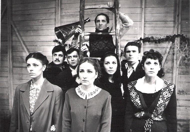 """Scena iš spektaklio """"Čia nebus mirties"""" pirmosios versijos, režisierius Rimas Tuminas. Nuotrauka iš VMT archyvo"""