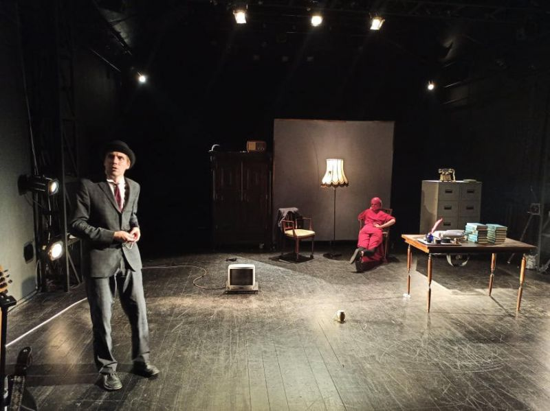"Scena iš spektaklio ""Kafka Insomnia"" (rež. Ž. Vingelis). Teatro archyvo nuotrauka"