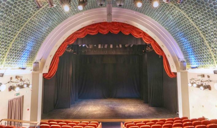 Valstybinio Vilniaus mažojo teatro scena. Nuotrauka iš VMT archyvo