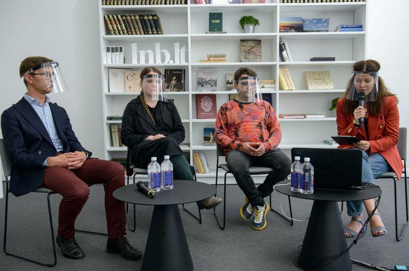 """Akimirka iš diskusijos """"Opera online – būtinybė, galimybė ar praradimas?""""; dalyviai - Julijus Grickevičius, Ana Ablamonova, Rafailas Karpis, moderatorė - Rasa Murauskaitė. Martyno Aleksos nuotrauka"""