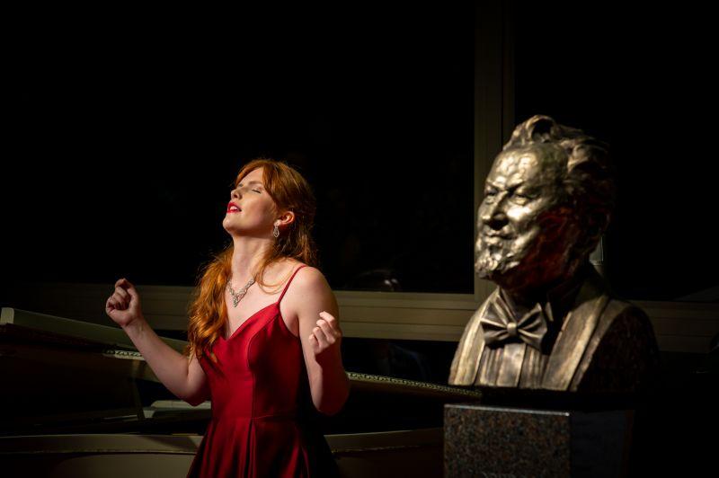 II tarptautinio Virgilijaus Noreikos dainininkų konkurso pirmosios vietos laimėtoja belgų sopranas Louise Foor. Mindaugo Mikulėno nuotrauka