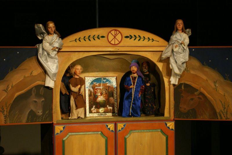 Vertepas – ukrainiečių sakralinis liaudies lėlių teatras. Scenografė Irina Uvarova. Nuotrauka iš satenai.lt