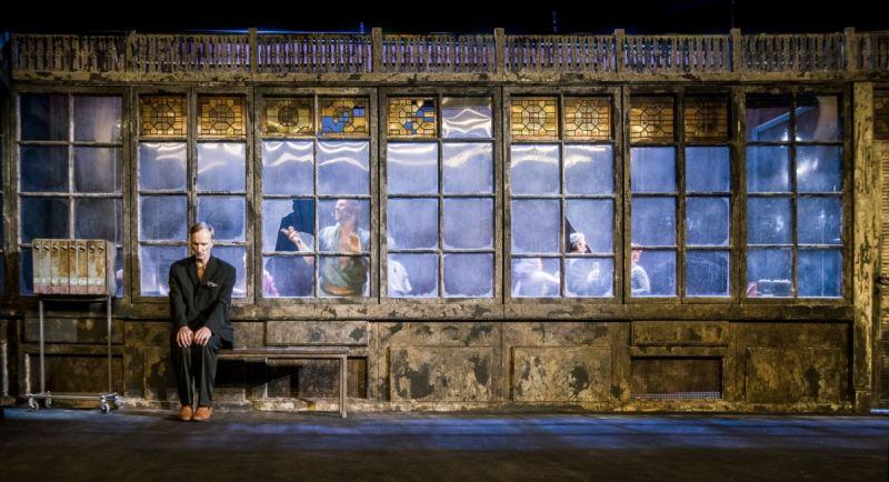 """Rytis Saladžius spektaklyje """"Durys"""". Dmitrijaus Matvejevo nuotrauka"""