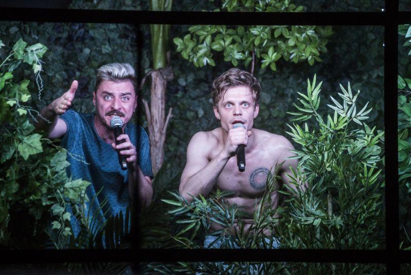 """Scena iš spektaklio """"12 gramų į šiaurę"""". Dmitrijaus Matvejevo nuotrauka"""
