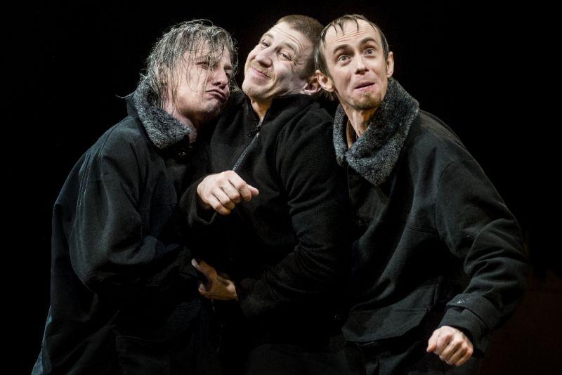 """""""Borisas Godunovas"""". Dainius Gavenonis, Marius Repšys ir Vaidas Vilius. Dmitrijaus Matvejevo nuotrauka"""