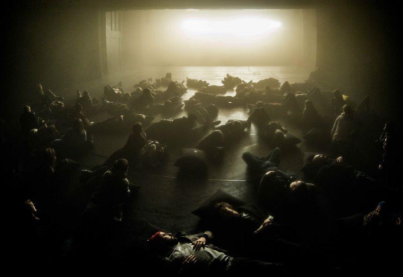 """""""Juoda saulė"""" nėra tipinis """"dalyvavimo"""" spektaklis. Dmitrijaus Matvejevo nuotrauka"""