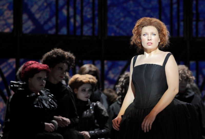 "Marina Rebeka – Margarita Aiko Karapetjano režisuotoje operoje ""Faustas"". Agneses Zeltiņa nuotrauka"